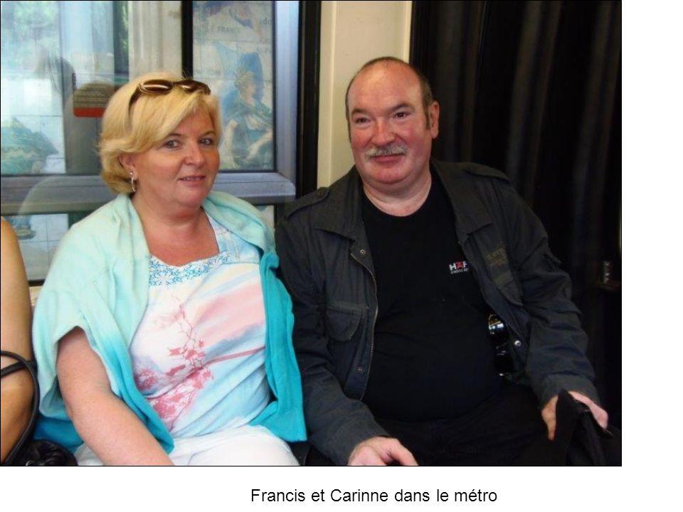 Francis et Carinne dans le métro