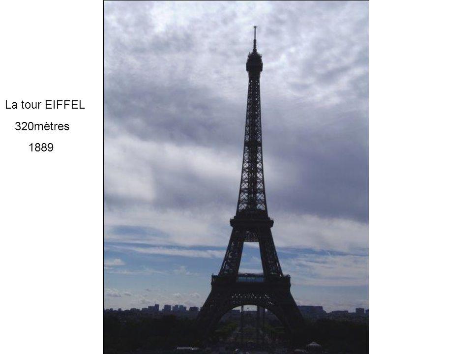 La tour EIFFEL 320mètres 1889