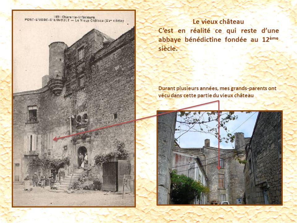Le vieux château Cest en réalité ce qui reste dune abbaye bénédictine fondée au 12 ème siècle.