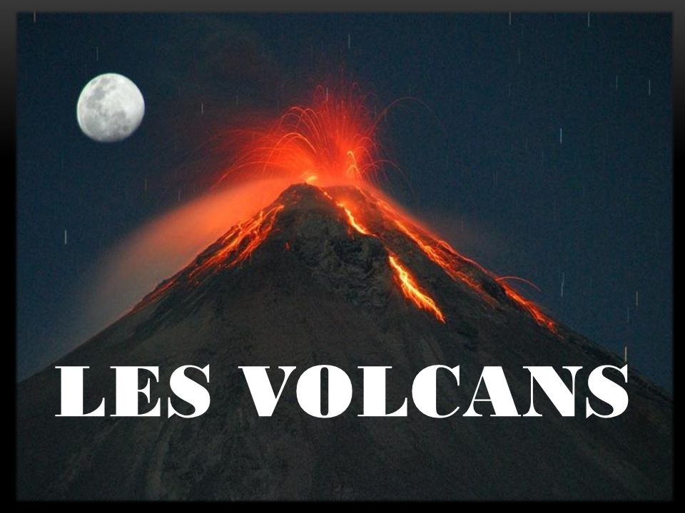 Il ny a pas de volcans sous la mer (Faux) Il y a des milliers de volcans sur la terre (Vrai) Tous les volcans sont encore en activité (Faux) Le cratère se situe tout en haut du volcan QUIZ