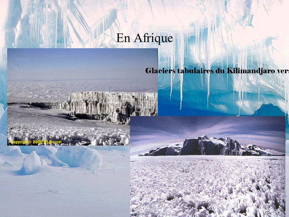 Dans les Andes Yerupaja vue de la Laguna Jahuacocha (Pérou) Depuis le col Cuyoc