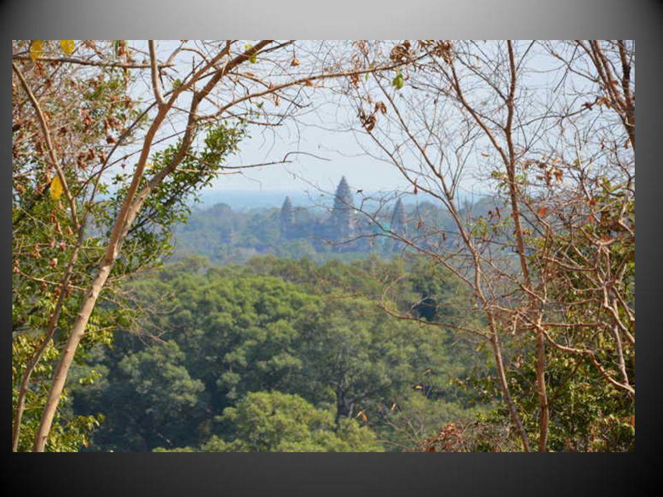 On trouve à Angkor de si nombreux temples quon sy perd.