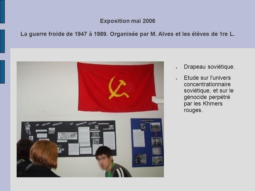Drapeau soviétique. Etude sur l'univers concentrationnaire soviétique, et sur le génocide perpétré par les Khmers rouges.