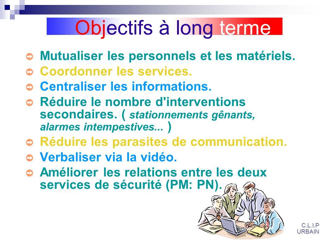 Mutualiser les personnels et les matériels.Coordonner les services.