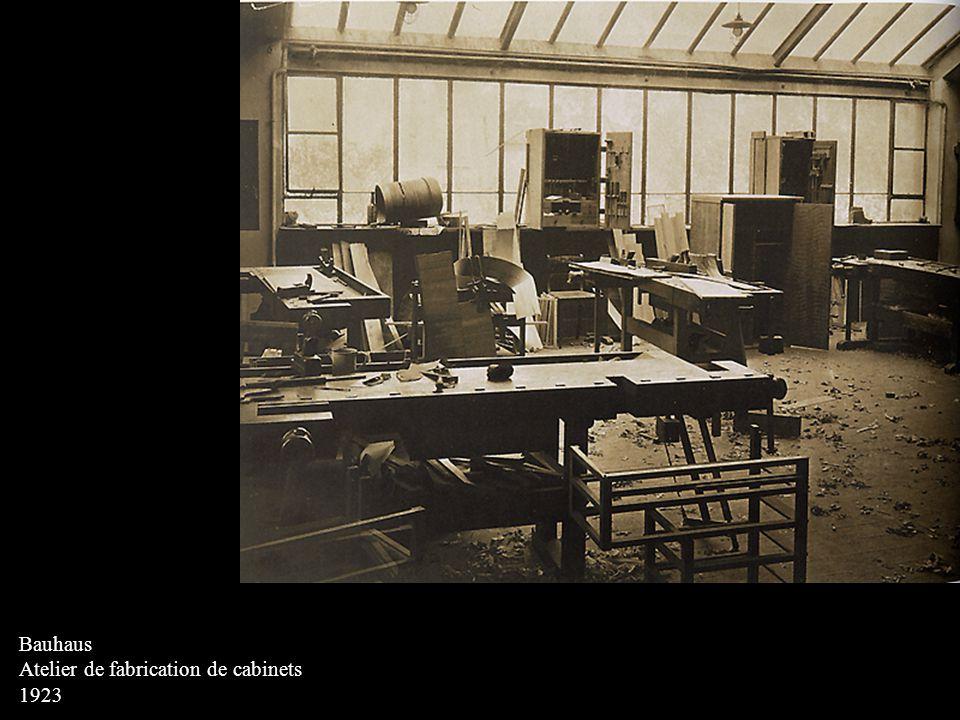 Bauhaus Atelier de fabrication de cabinets 1923