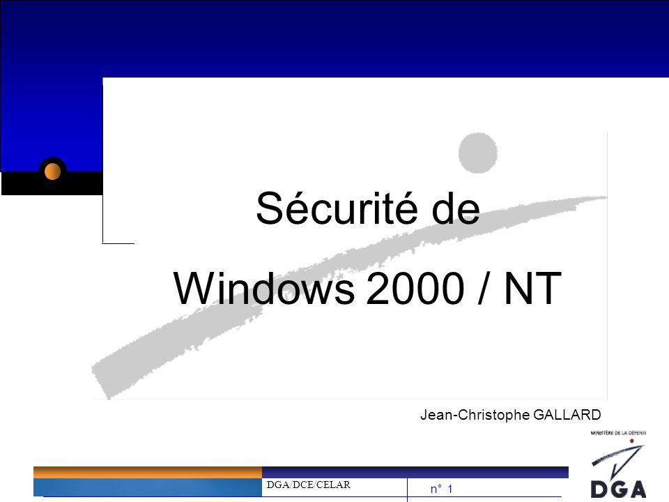 DGA/DCE/CELAR n° 32 Sécurité de Windows 2000 / NT NTFS et les ACLs (2/3) bLes ACLs (Listes à Contrôle daccès) : è R (Read) –Répertoire : permet de lister le contenu dun répertoire –Fichier : permet de lire le contenu dun fichier è W (Write) –Répertoire : permet dajouter des fichiers et de créer des sous-répertoires –Fichier : permet de modifier le contenu dun fichier è X (eXecution) –Répertoire : permet de traverser un répertoire (cd) –Fichier : permet dexécuter un fichier si cest un programme è D (Delete) –Répertoire : permet deffacer répertoire et sous-répertoire –Fichier : permet deffacer un fichier è P (Permissions) –Répertoire : permet de modifier les permissions dun répertoire –Fichier : permet de modifier les permissions dun fichier è O (change Owner) –Répertoire : permet de sapproprier un répertoire –Fichier : permet de sapproprier un fichier