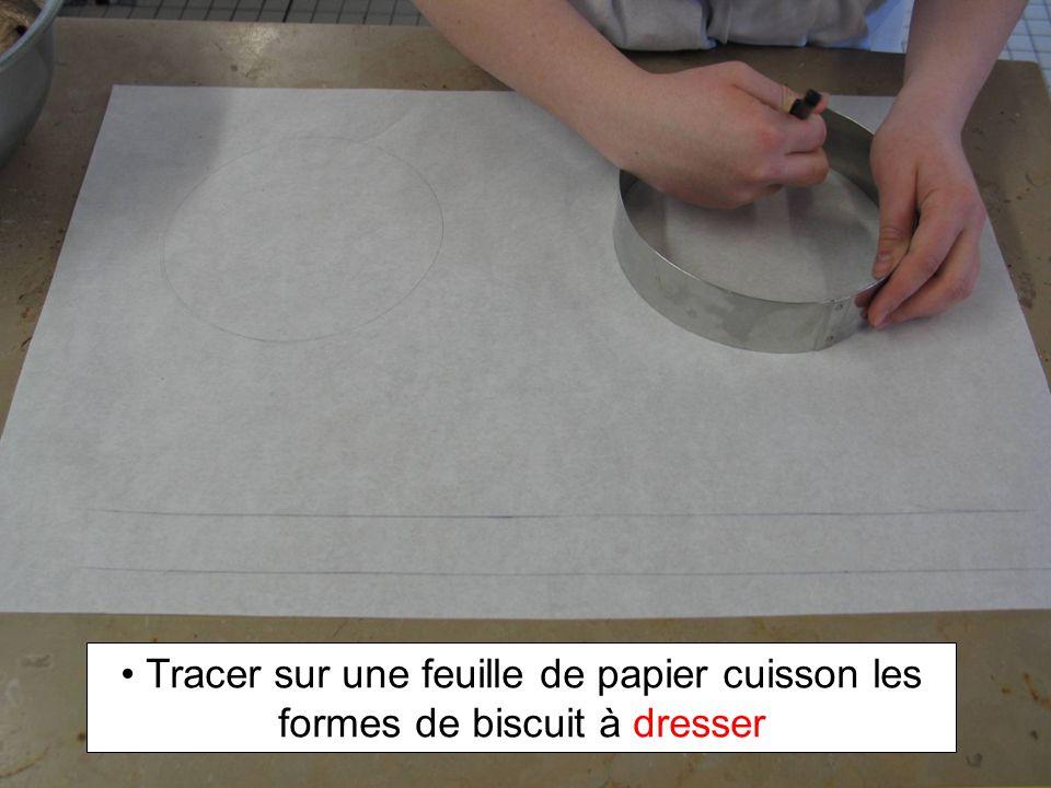 Le biscuit doit être souple et aucune marque ne doit apparaître lorsquon appui en surface Biscuit non cuit !.