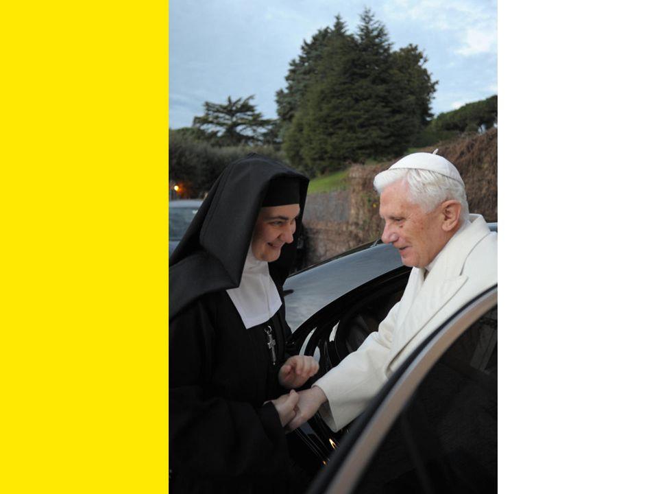 Mère María Begoña, finalement nous nous trouvons! Merci, Saint Père de votre venue!