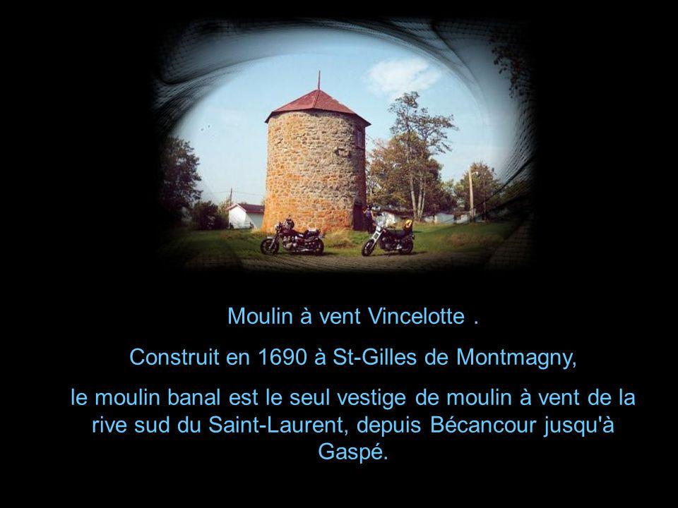 Moulin à vent privé construit par M.Eugène Michaud.