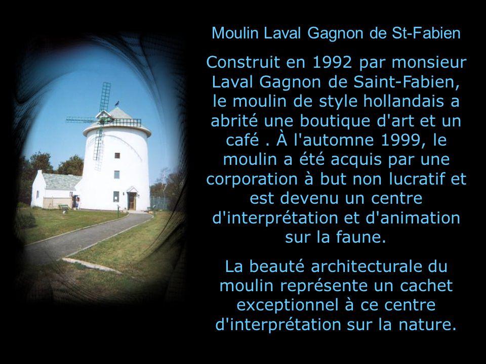 Moulin Fleming (1827) et seul moulin dinfluence anglo-saxonne au Québec.
