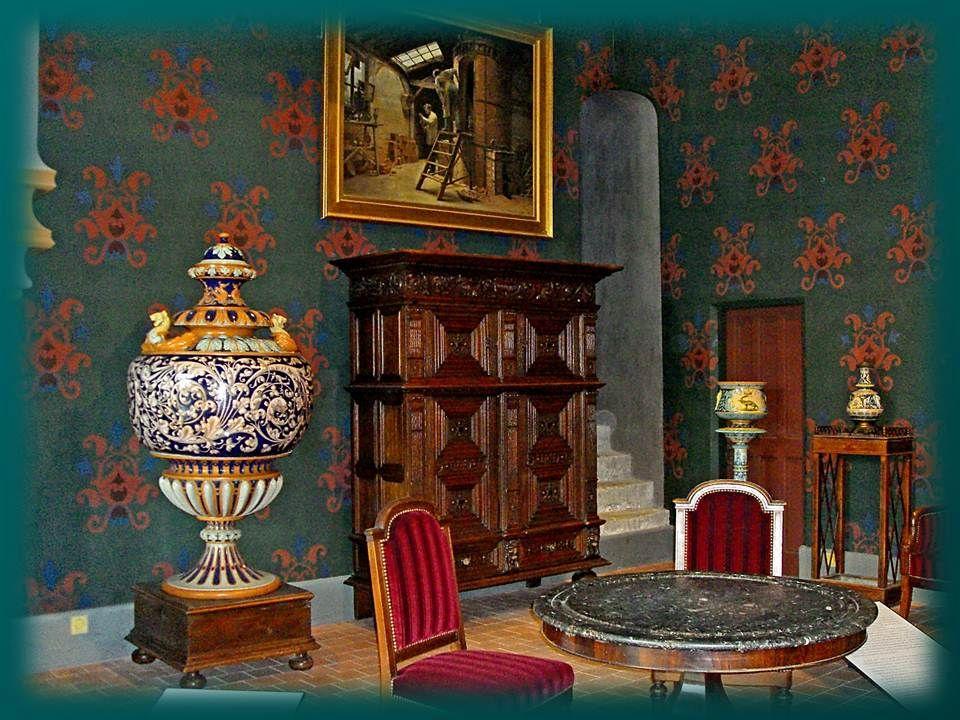 Le meurtre a lieu dans les appartements du roi le matin du 23 décembre 1588. Pour se rendre au « cabinet vieux » où lattend le roi, le duc de Guise do
