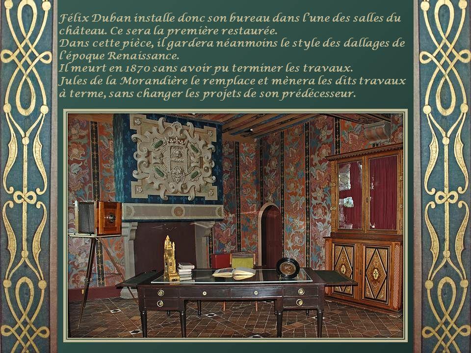 Félix Duban se met au travail dès 1845 et sattaque dabord à laile de François 1 er. Pour retrouver latmosphère de la Renaissance, il faut de la couleu