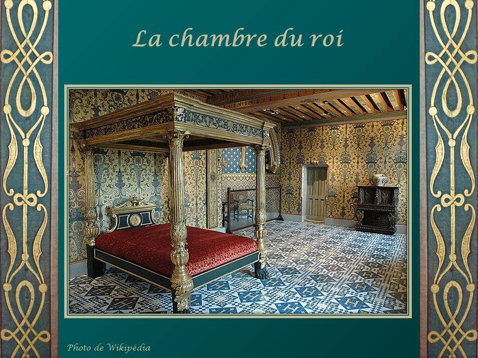 La salle des vases Médicis Art que la Florentine a importé en France
