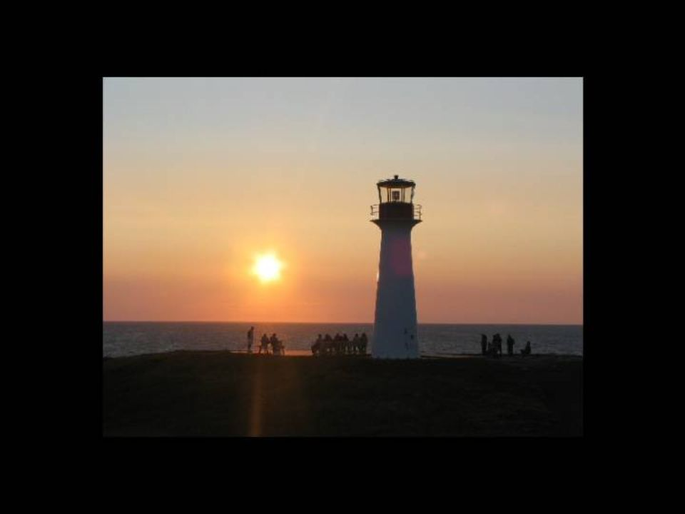 LES COUCHERS DE SOLEIL Les îles sont renommées, entre autre, pour les magnifiques couchers de soleil à couper le souffle.