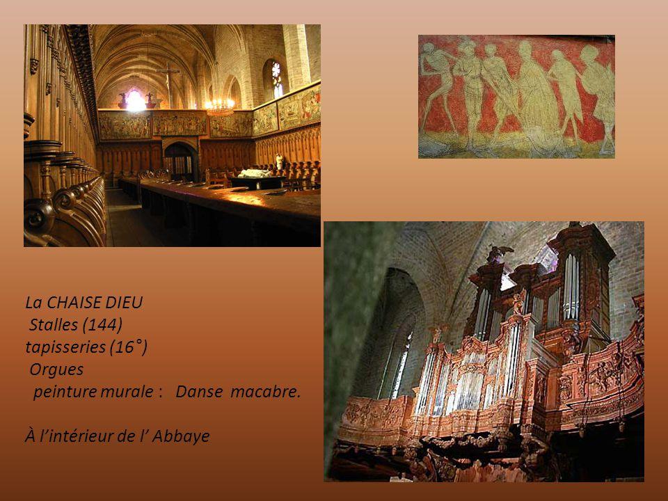 LA CHAISE DIEU : Abbaye du 11° en granit