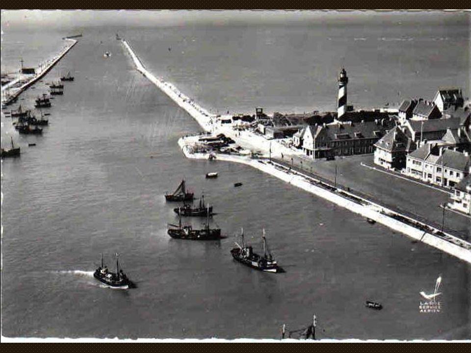 DG 952 « Le Pax » de l'armement Jules Talleux pris dans la banquise le 02 février 1954.