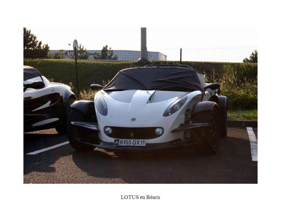 Ou comme cette étonnante YES Roadster qui nous vient, non pas du Royaume Uni, mais dAllemagne.