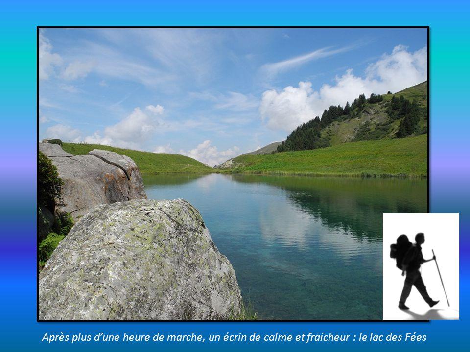 un dernier regard sur le lac Roselend, depuis lentrée de la chapelle
