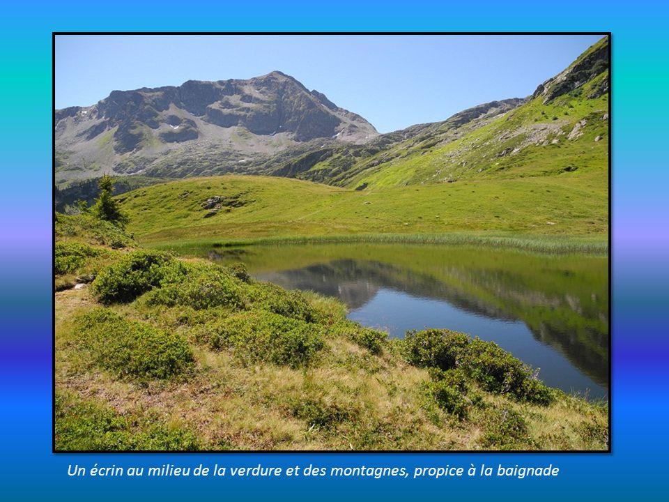 Depuis le lac des Fées, on mesure le dénivelé réalisé depuis le départ du lac Saint Guérin