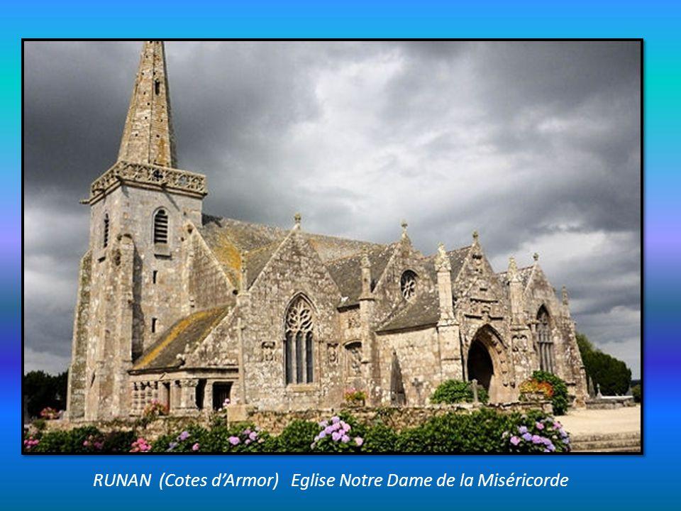ROSCOFF (Finistère) dans la baie de Morlaix