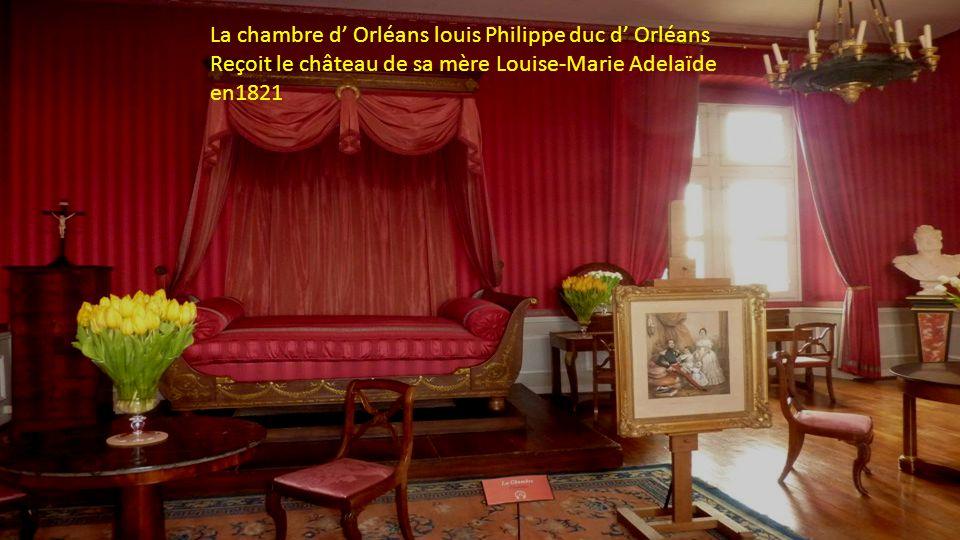 Cabinet Louis-Philippe Dans cette pièce est reconstitué un cabinet de travail sous Louis-Philippe.