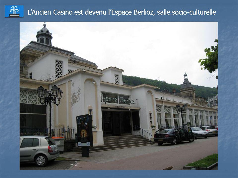 Lancienne gare SNCF transformée en Casino.
