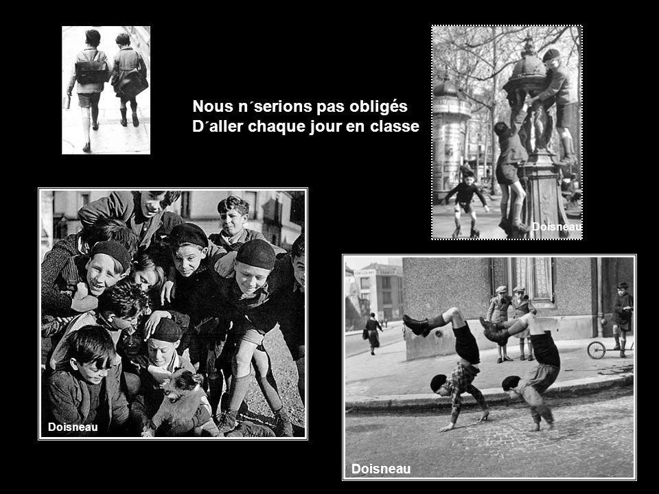 Il n´avait qu´à s´occuper De batailles et de chasse Doisneau l'harmonica 1944 Doisneau
