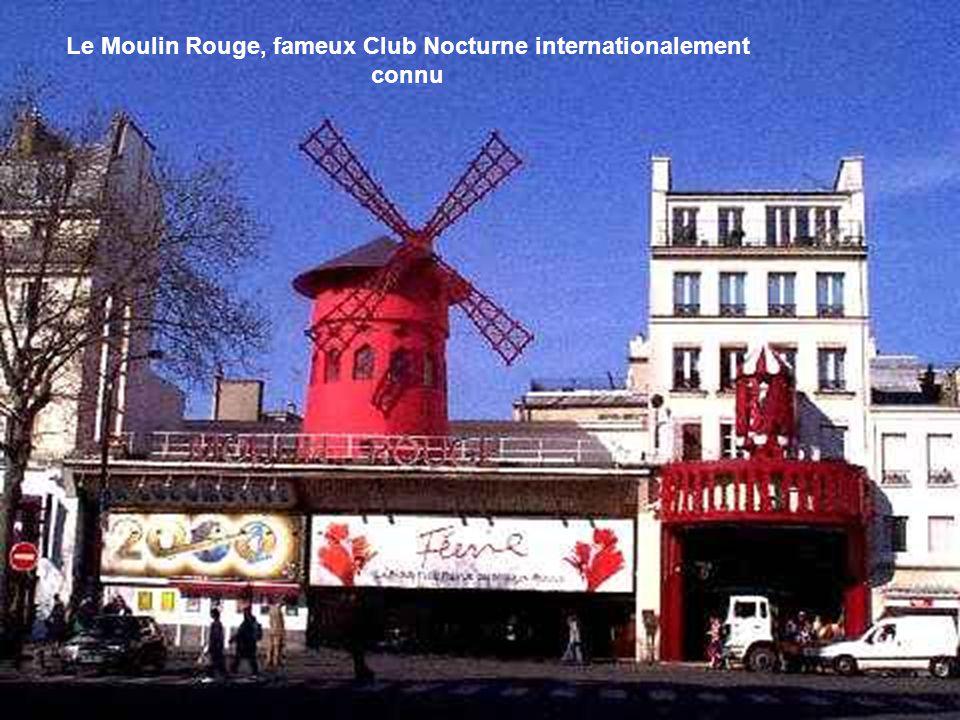 Le Moulin Radet à Montmartre, vu depuis la rue Lepic