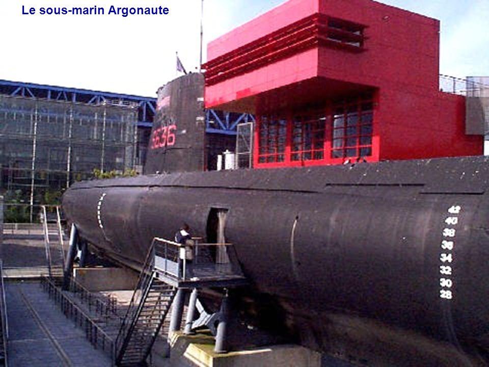 La Ville des Sciences, la Géode et le Canal de lOurcq