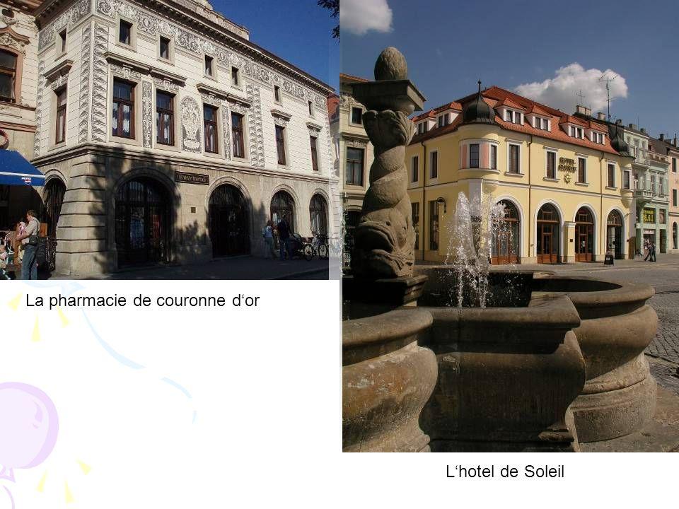 La pharmacie de couronne dor Lhotel de Soleil