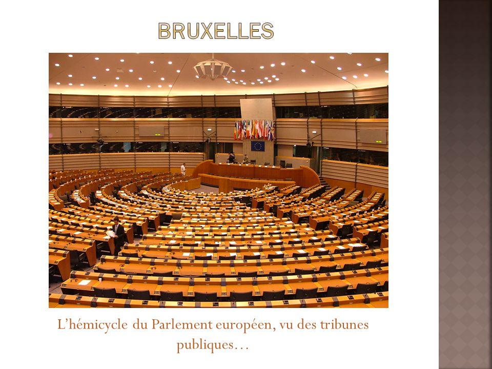 Lhémicycle du Parlement européen, vu des tribunes publiques…