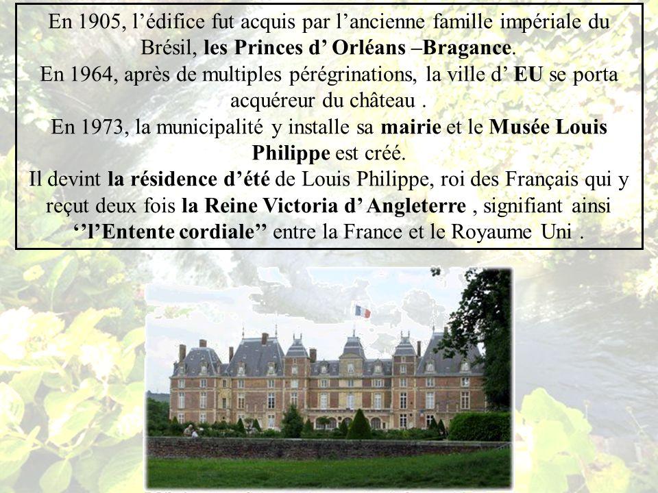 Le bâtiment actuel fût commencé en 1578 par Henri de Guise et Catherine de Clèves, puis terminé en 1665 par la Grande Mademoiselle, cousine germaine du Roi Louis XIV.