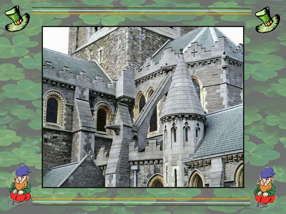 Il faut dire que là-bas, les premières fêtes Saint-Patrick remontent à 1762 quand les soldats irlandais défilèrent dans la ville le 17 mars.