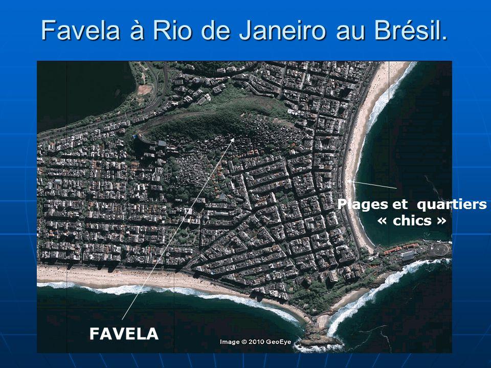 14 Favela à Rio de Janeiro au Brésil. FAVELA Plages et quartiers « chics »