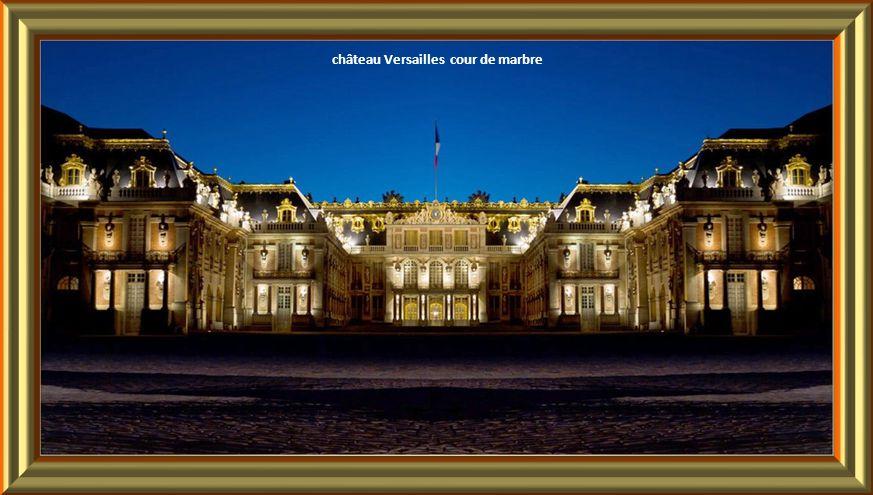 Le feu d'artifice des Grandes Eaux Nocturnes du Château de Versailles.