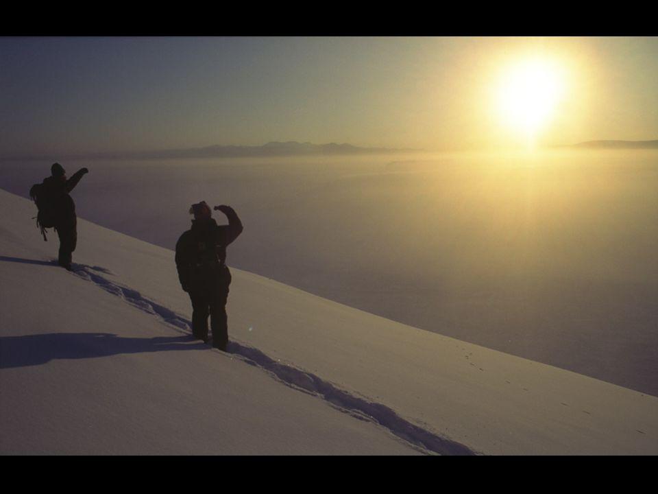 Au début du Xxème siècle, le territoire servit à lélevage de rennes. Plus tard à son apogée, le régime soviétique y créa une ville équipée de toutes l