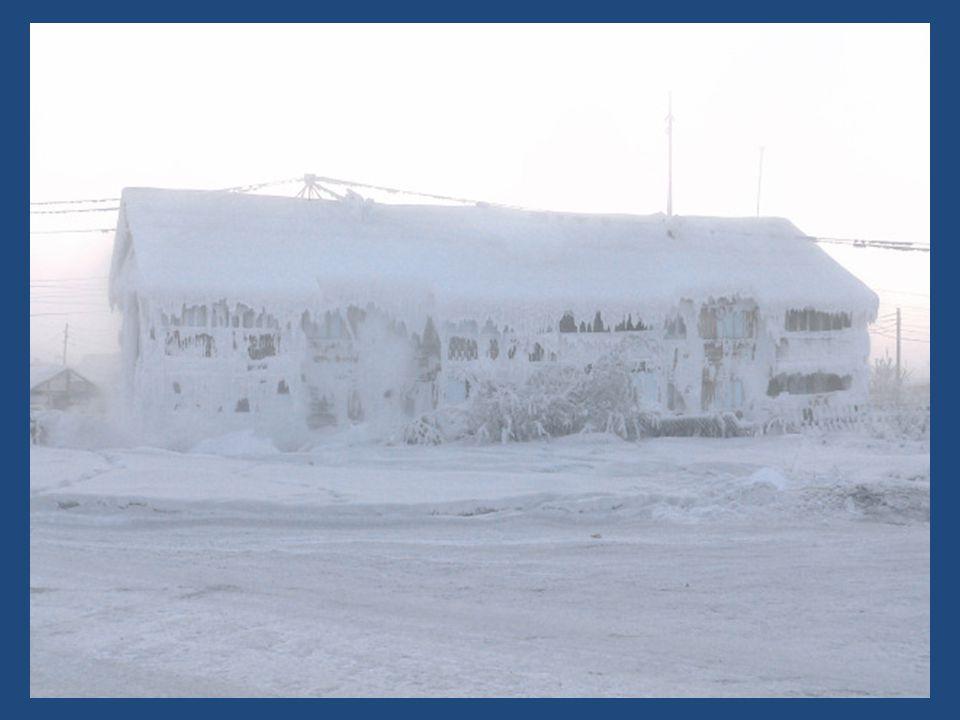 Les véhicules qui arrivent à Oymyakon sont équipés de doubles vitrages pour empêcher larrivée de lair gelé dans lhabitacle.