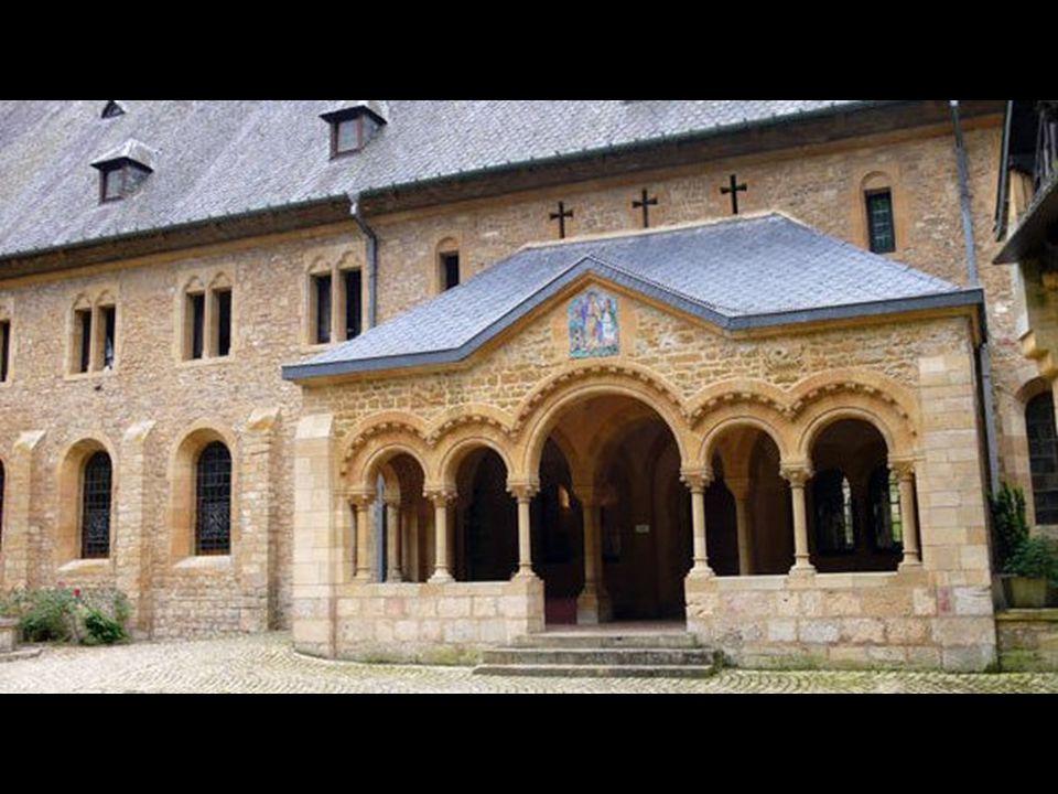 L abbaye d Orval fut fondée en 1070 par des moines Bénédictins venus de Calabre.