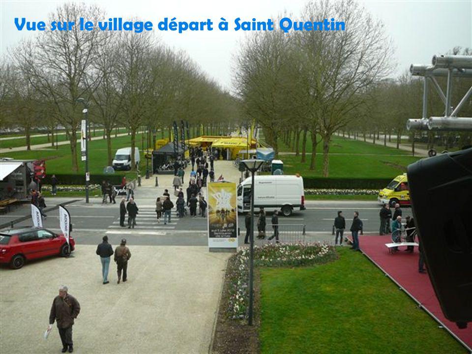 Vue sur le village départ à Saint Quentin