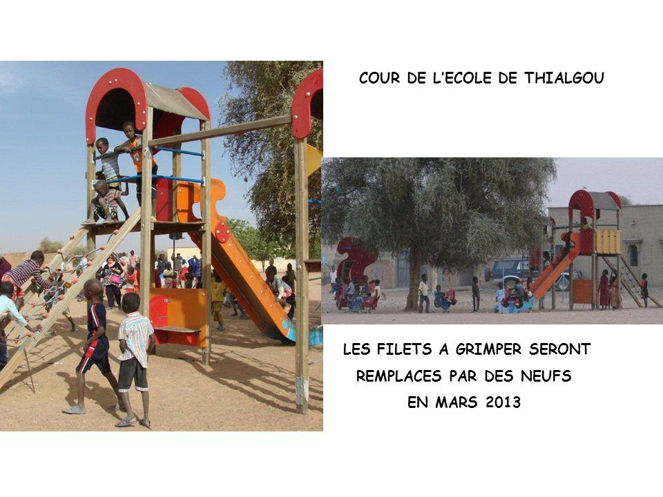 COUR DE L'ECOLE DE THIALGOU LES FILETS A GRIMPER SERONT REMPLACES PAR DES NEUFS EN MARS 2013