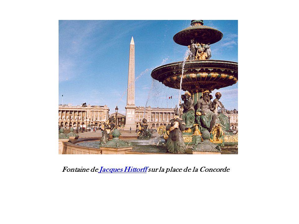 Colonne rostrale de la place de la Concorde.