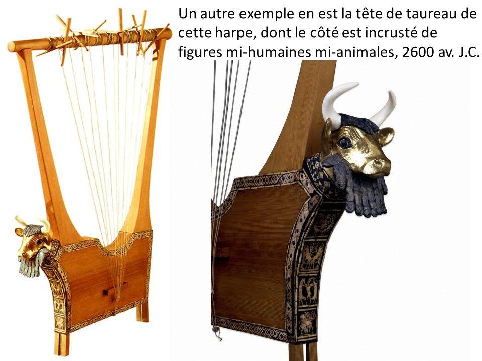 Un autre exemple en est la tête de taureau de cette harpe, dont le côté est incrusté de figures mi-humaines mi-animales, 2600 av. J.C.