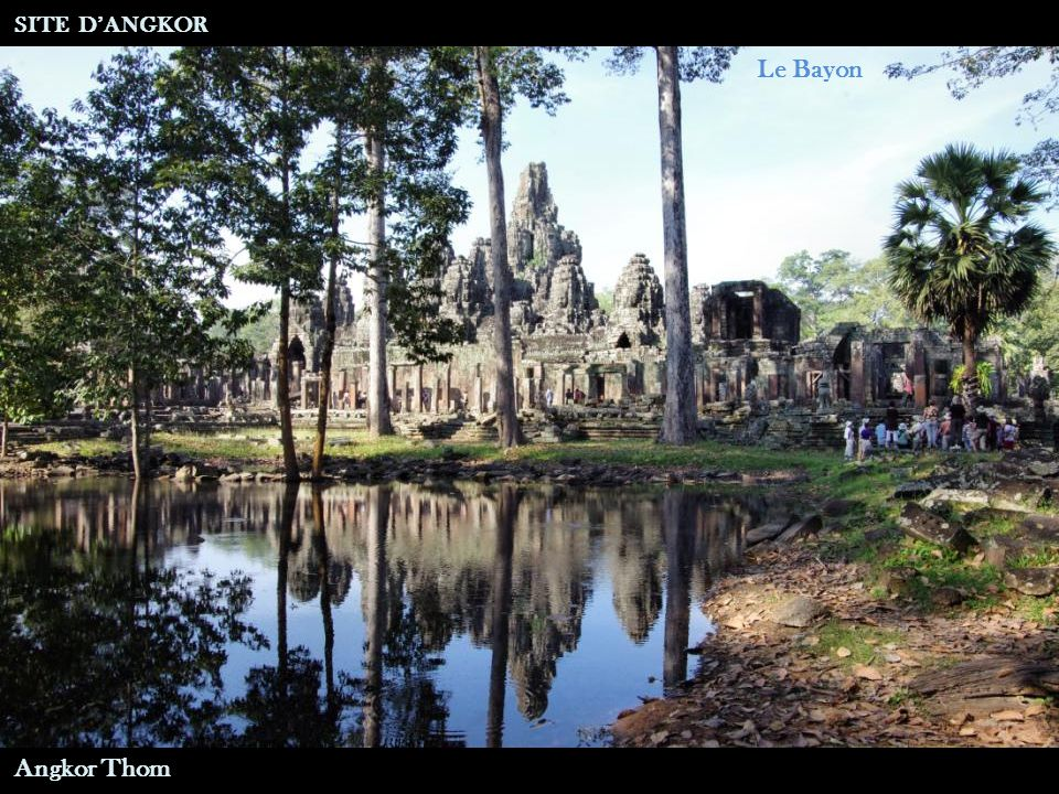 Porte Sud Eléphant Tricéphale SITE D'ANGKOR Angkor Thom
