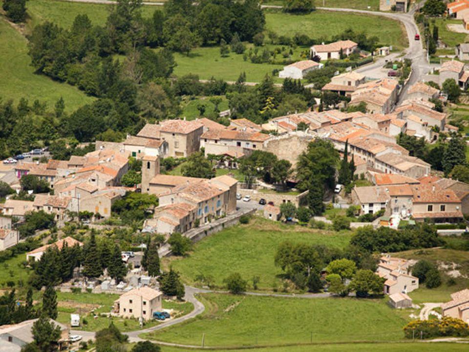 La tranquillité de ce village va être passablement perturbée par sa récente notoriété!