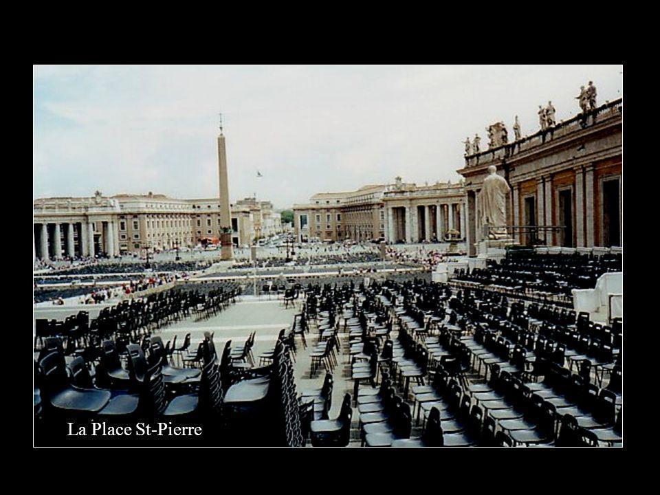 Nous sommes à Rome le 15 mai 2000.