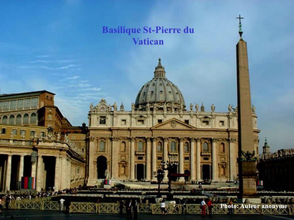 Photo: Auteur anonyme Basilique St-Pierre du Vatican