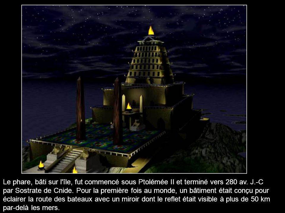 Le phare se situe en Egypte sur l'île de Pharos située face à la ville d'Alexandrie.Cette île fut au cours des siècles reliée à la terre ferme par les