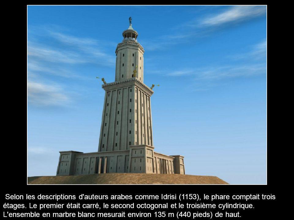 Le phare, bâti sur l'île, fut commencé sous Ptolémée II et terminé vers 280 av. J.-C par Sostrate de Cnide. Pour la première fois au monde, un bâtimen