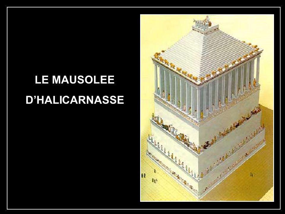 En 224 av. J.C, un tremblement de terre la brisa aux genoux ; le Colosse, glorieux témoin des prouesses militaires rhodiennes, s'effondra. Elle ne fut
