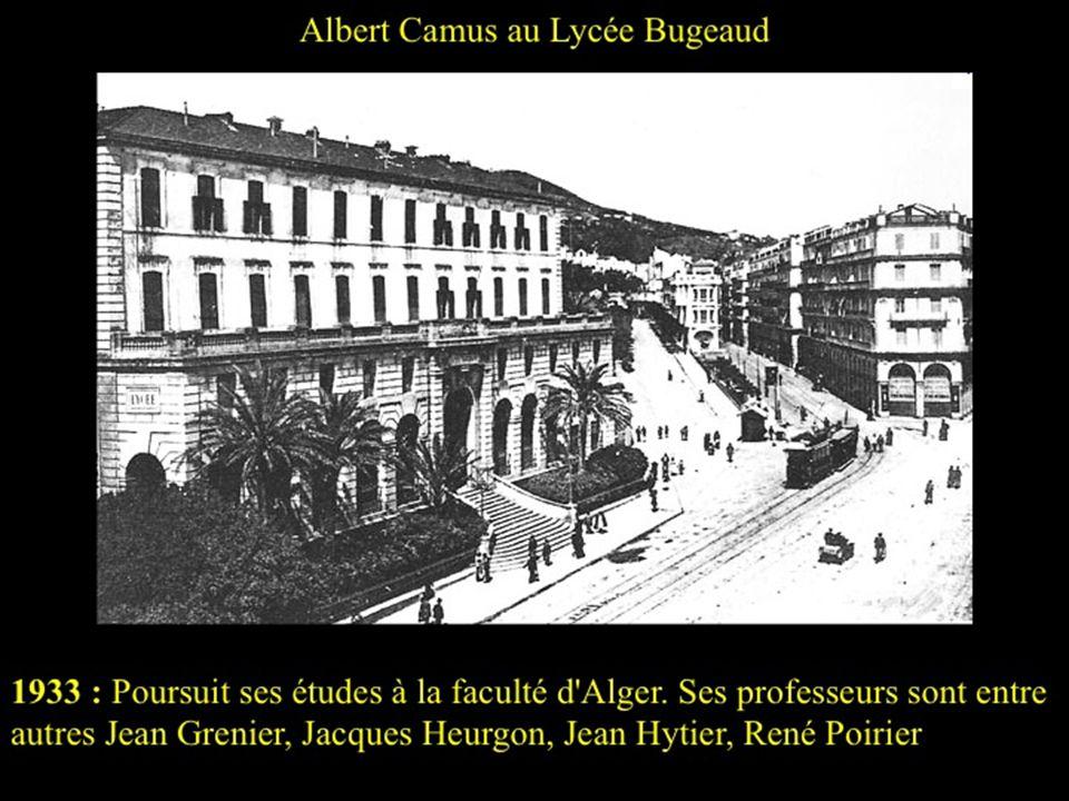 Albert Camus au premier plan, au centre avec une blouse noire en 1920 En 1931, au décès de sa grand mère maternelle, installation chez son oncle Acaul